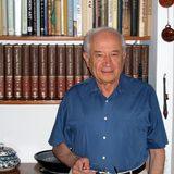 Проф. д-р. Рафаел Мешулам в момента ръководи Академичния комитет в наскоро открития Мултидисциплинарен център за канабиноидни изследвания към Еврейския университет в Йерусалим.