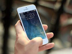 Тийнейджър съди Apple за 1 милиард долара