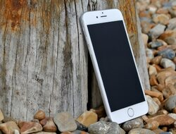 Германците скоро ще могат да използват своя iPhone като виртуална лична карта