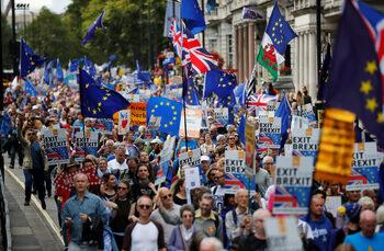 Лейбъристи искат втори референдум за ЕС срещу ограничение на трудовата миграция