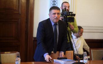 Правната комисия отхвърли ветото на президента върху антикорупционния закон