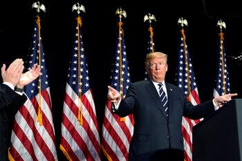 Търговският дефицит на САЩ достигна рекордно високи нива при Тръмп