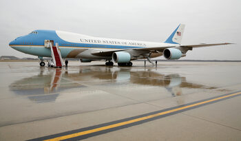 Boeing ще прави два самолета за Air Force One в сделка за 3.9 млрд. долара