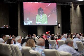 Близо една трета от Националния съвет на БСП оспорват рокадата в