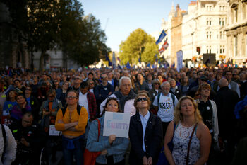 Над половин милион души в Лондон поискаха нов референдум за Brexit