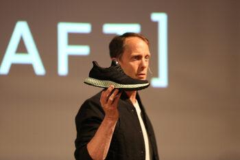 Adidas с по-малки продажби в Западна Европа и очаквания за годишни приходи