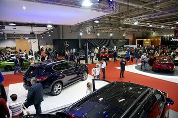Продажбите на автомобили в ЕС спадат за трети пореден месец