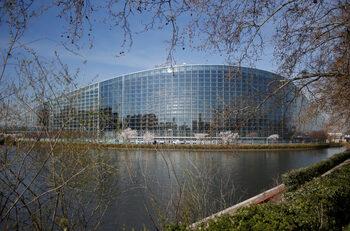 Как се провали източноевропейският заговор срещу пакета