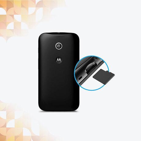 Смартфонът Motorola Moto E струва само 9