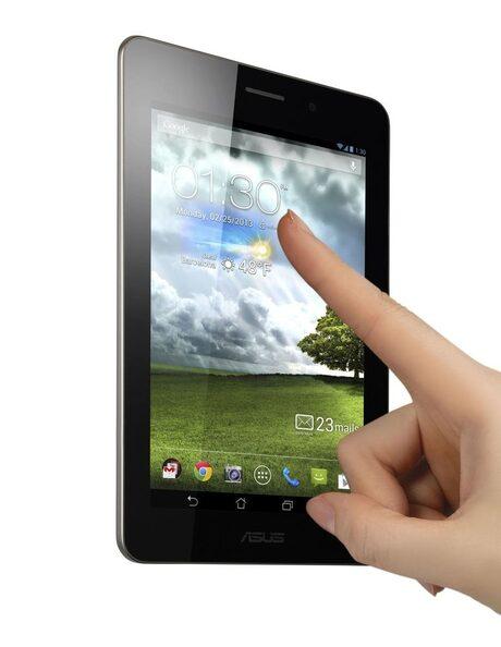 ASUS пуска на пазара достъпния 7-инчов таблетофон Fonepad
