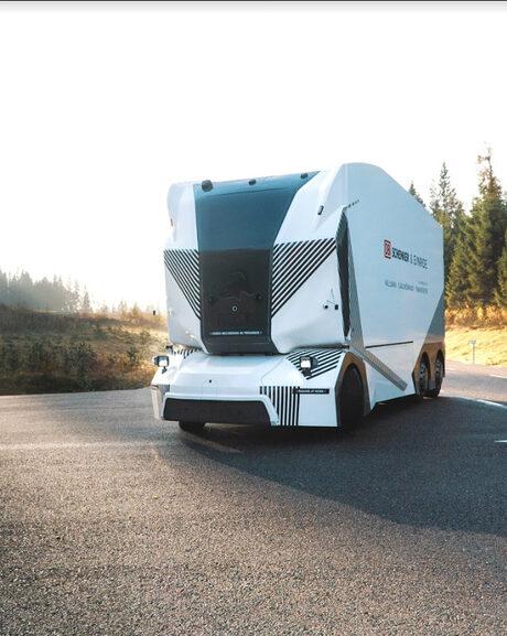 Ericsson, Einride и Telia създават автономни камиони с 5G
