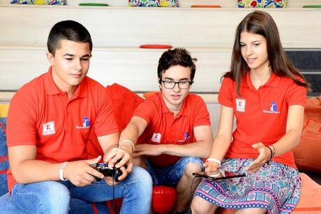Kaufland Service подпомага националния отбор по роботика на България