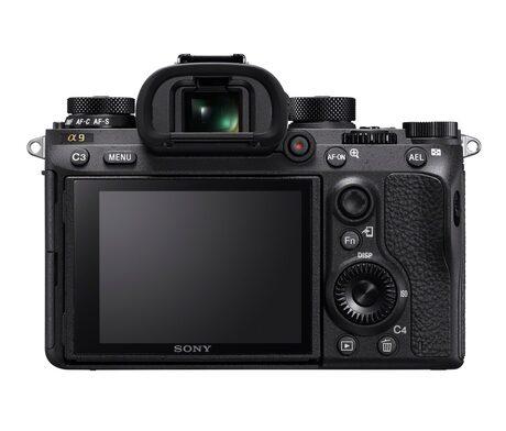 Професионалният фотоапарат Sony α9 осигурява 4К видео и 693 точково AF