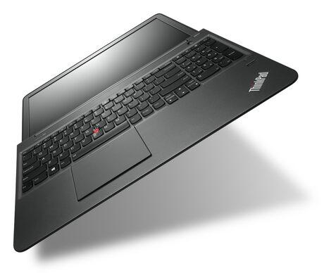 Lenovo представи първия си 15-инчов ThinkPad ултрабук