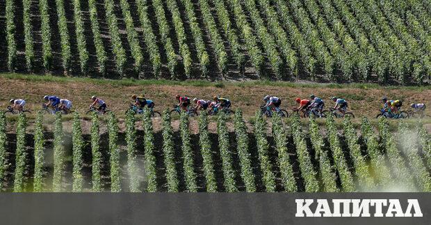 Кадър от третия етап от най-голямото колоездачно състезание Тур дьо