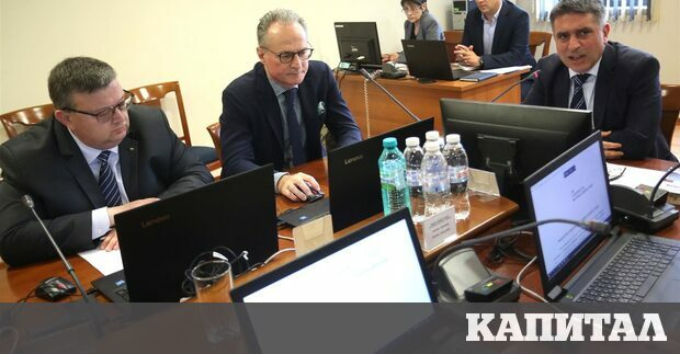 Миналия понеделник ВСС откри процедурата за избор на нов главен
