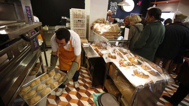 """Според Нуньо Карвальо, изпълнителен директор на """"Португалската пекарна"""", кризата представлява възможност заради много по-евтините наеми и достъпната работна ръка."""