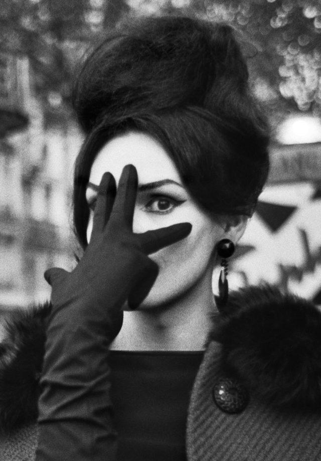 Christer Stromholm Nana, Place Blanche, Paris 1961 © Christer Stro-mholm Estate