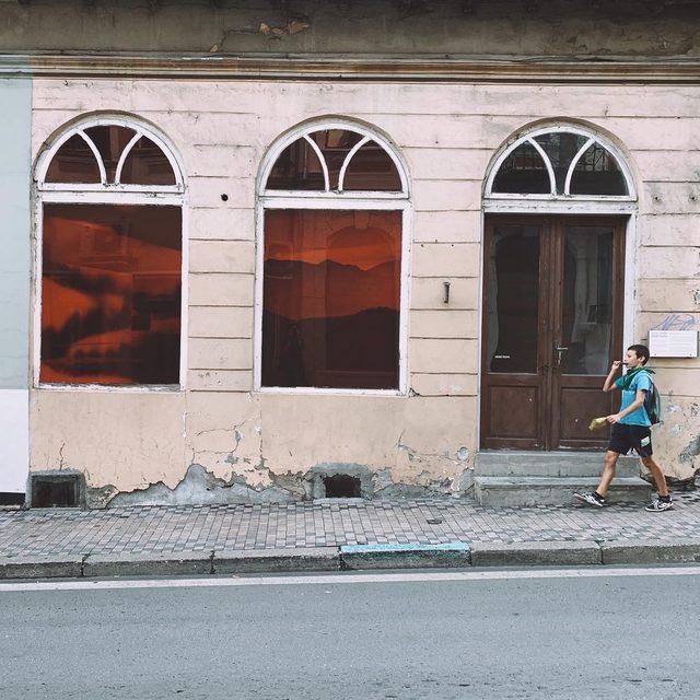 Входът на галерията за съвременно изкуство Heerz Tooya, която ще поднови дейност в началото на 2021 г.