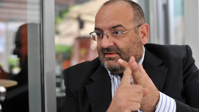 """""""Груевски е класически популист. Те мислеха, че ще са много успешни икономически, без да разберат, че за да тръгне икономиката, тук трябва всичко в политиката да е наред"""", казва политологът Сашо Ордановски."""