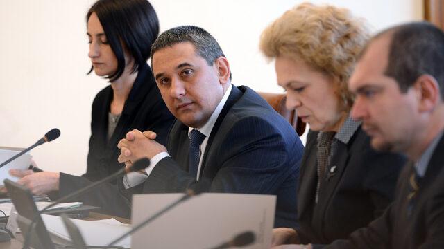 След първото си заседание министрите от служебния кабинет предложиха три мерки в отговор на социалните искания