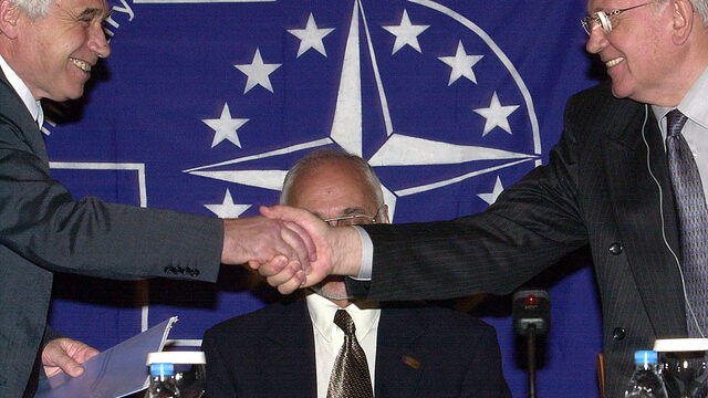 Лекция на Михаил Горбачов пред Атлантическия клуб; 2002 година