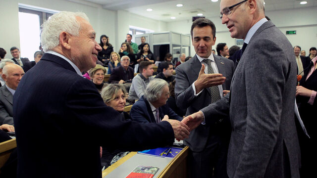 Желю Желев и Тиери Репантен на събитие по случай 25 години от прочутата закуска на президента Митеран с дисиденти;2014 година