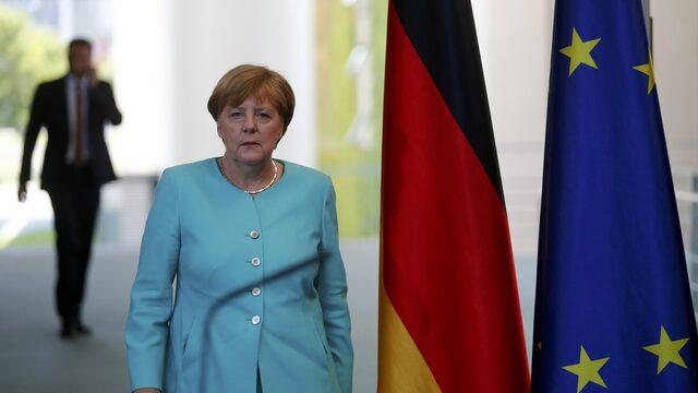 """Меркел е в лагера на """"бавния развод"""""""