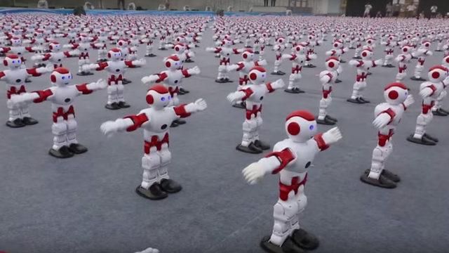Китай постави нов световен рекорд за танцуващи роботи