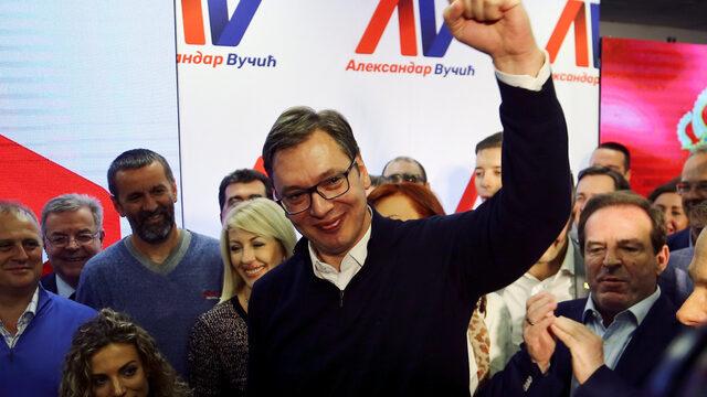 Докато Вучич застъпва умерени позиции по спорната тема за Косово и не спира да повтаря мантрата за стабилността на региона, прагматично настроеният Запад ще продължи да си затваря очите пред жалкото състояние, в което са изпаднали медиите и правовата държава в Сърбия.