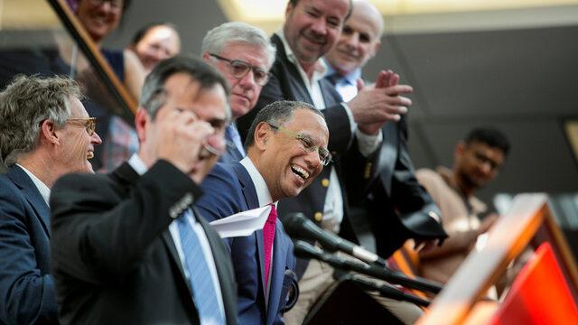 Част от екипът на The New York Times по време на връчване на наградата Pulitzer