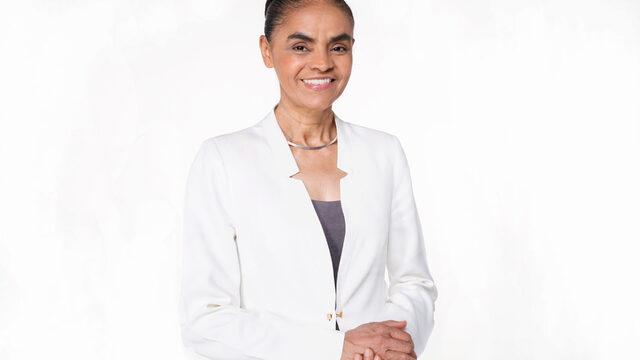 Марина Силва е преподавател, еколог и бивш сенатор. Тя беше министър на екологията на Бразилия от 2003 г. до 2008 г. и се кандидатира за президент през 2010 г. и 2014 г.