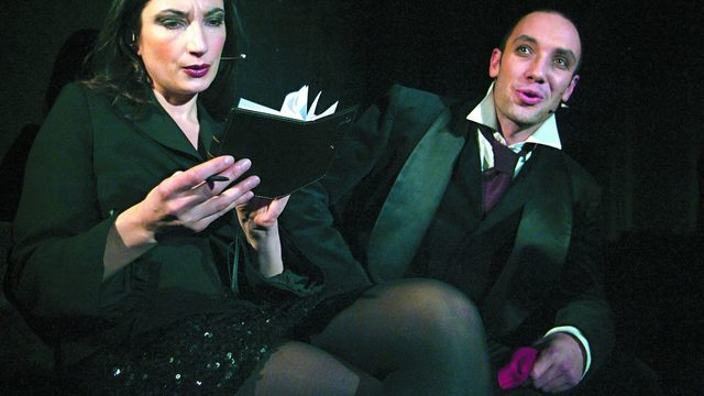 """Снежина Петрова и Захари Бахаров в """"Старицата от Калкута"""", реж. Явор Гърдев"""