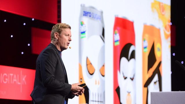 """""""При иновацията най-важното остава нашия продукт"""", коменентира Майкъл Шуорц, директор """"Дигитално акселериране"""" за Западна Европа на Coca-Cola. По време на събитието компанията представи последните си иновативни решения, свързани с рекламирането на продуктите от портфолиото си. Сред тях – игра в мобилното приложение Snapchat."""