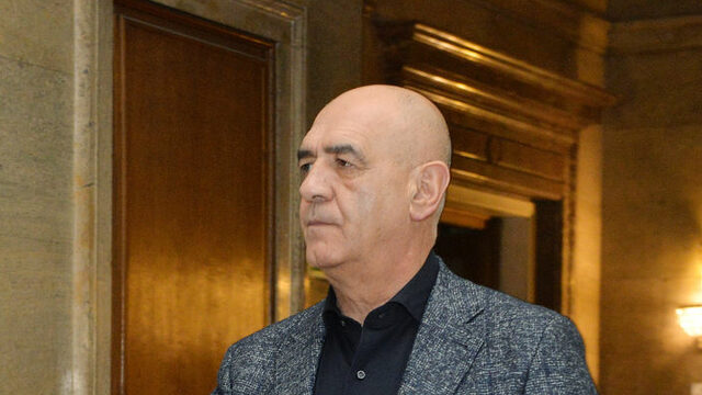 Управителят на здравната каса д-р Дечо Дечев