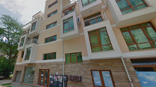 През 2012 г. Пламен Георгиев купува апартамент в тази сграда