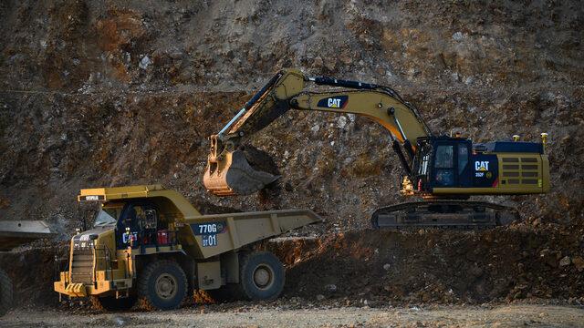 Компанията ще добива и преработва по 840 хил. тона руда годишно. Съдържанието на злато в нея е 85.7 хил. тр.у.