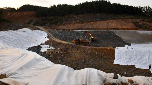 За първи път в света в рудника край Крумовград се използва т.нар. интегрирано депо за съхранение на минни отпадъци, което замества традиционните хвостохранилища.