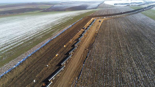 На фона на твърденията, че транзитният газопровод до сръбската граница се строи с по 5 км на ден, дойдоха официалните данни за завършени едва 38 км през изминалите 3 месеца