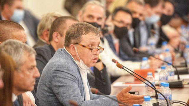 """Собственикът на """"Градус"""" Иван Ангелов се оплете в обясненията си за отношенията с Бойко Борисов и помощта, която е получавал от него"""