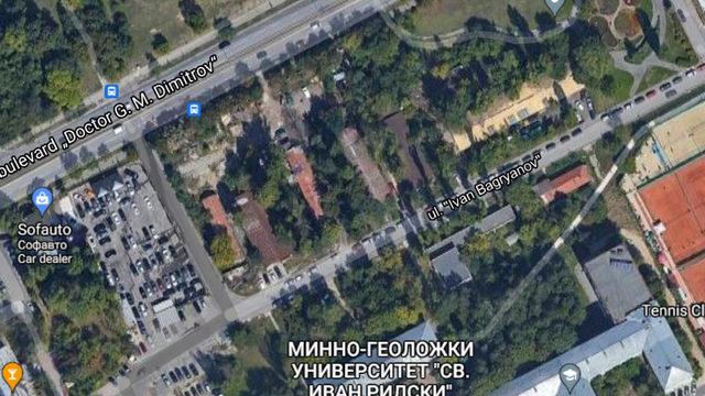 """Бъдещият паркинг се планира между """"Софавто"""" и NV Tower. В близост се намира и Минно-геоложкият университет"""