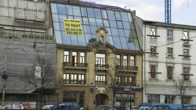 Много сгради в Букурещ очакват наемателите си<br />