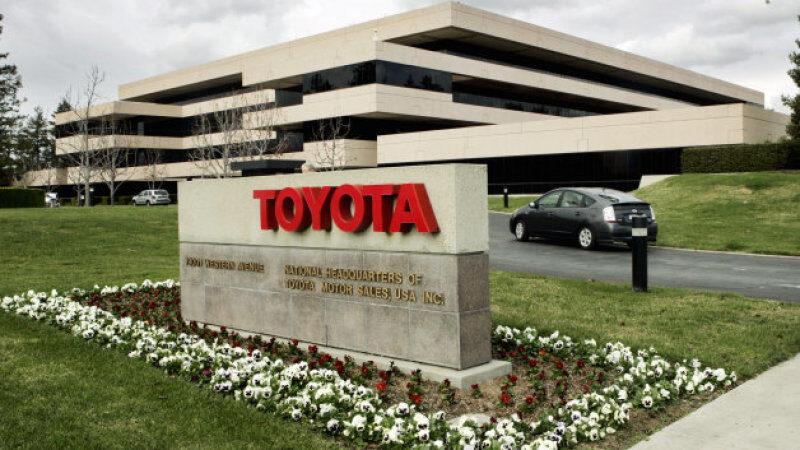 Тoyota инвестира 500 млн. долара в Uber
