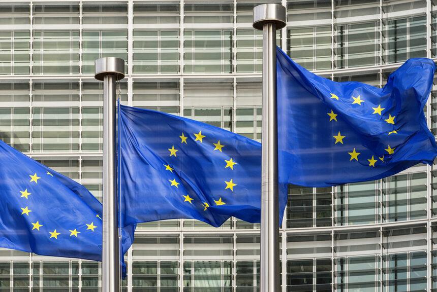Европа прави нов опит да стандартизира зарядните устройства за смартфони