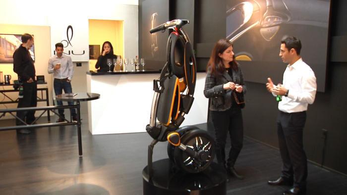 Скъпият е-скутер INU би паснал на бизнес потребители в големия град