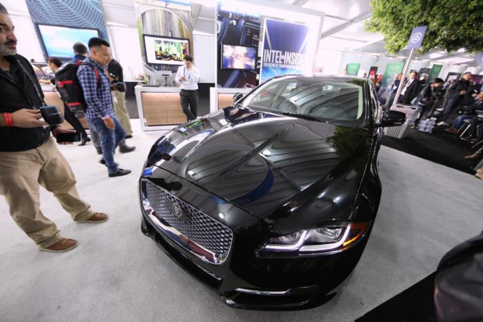 Intel създава поделение за самоуправляващи се автомобили