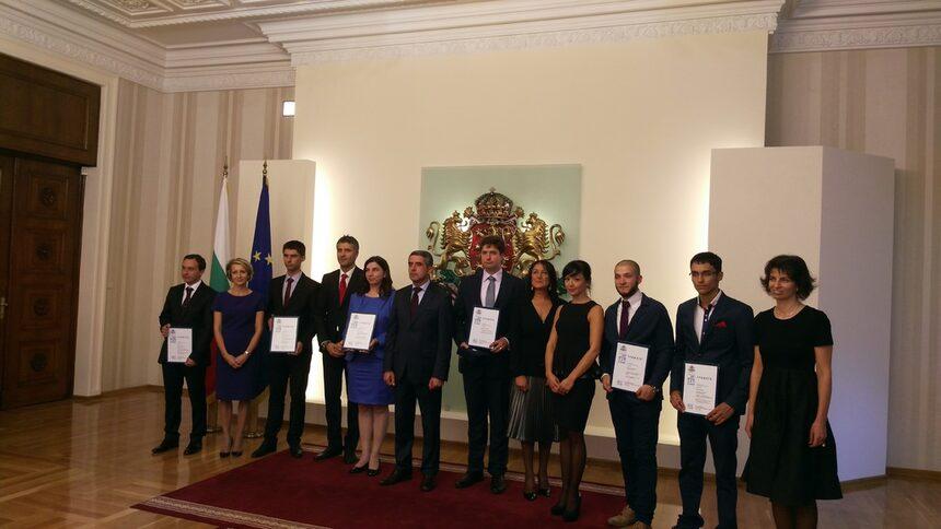 Д-р Цено Галчев получи президентския приз Джон Атанасов за 2015 г.