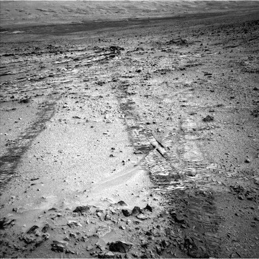 Марсианският всъдеход Curiosity на NASA започна голямо си пътешествие