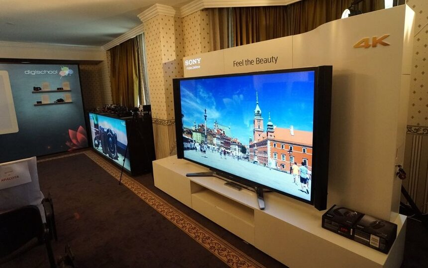 Sony разширява водоустойчивото си портфолио с фотоапарати и слушалки