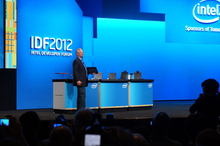 Intel разкри нови хоризонти във взаимодействието човек-компютър по време на IDF 2012